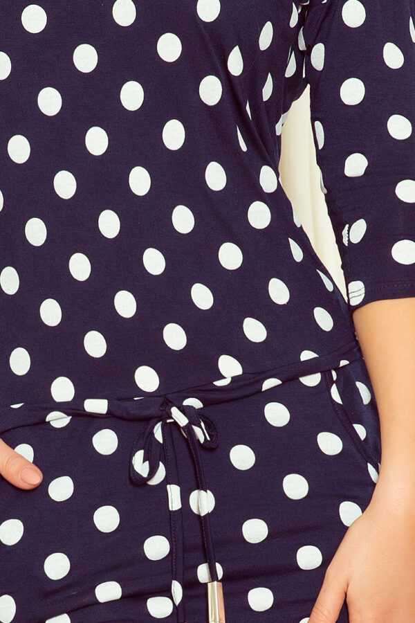 Anna kjole med prikker fås hos Dahl Copenhagen