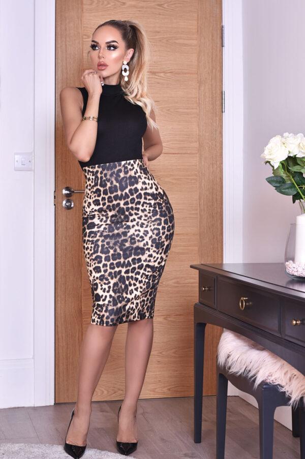 Lorena Leopard kjole fås hos Dahl Copenhagen
