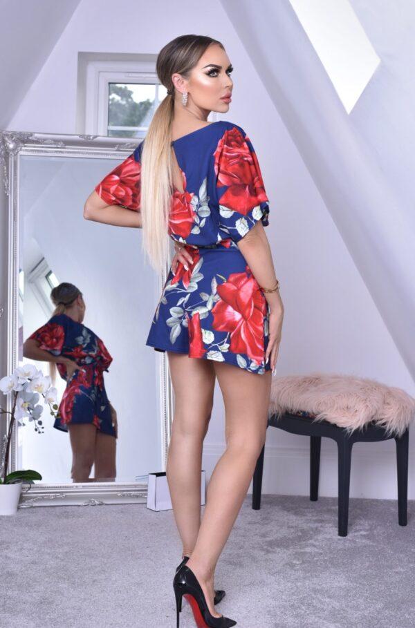 Natalia Blomstret Shortsdragt fås hos Dahl Copenhagen