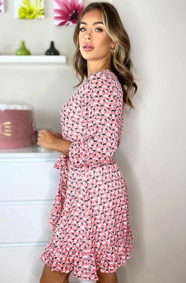 Monica Blomsterkjole Pink fås hos Dahl Copenhagen