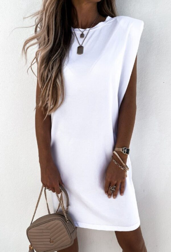 Sarah Lang T-Shirt Hvid fås hos Dahl Copenhagen
