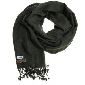 Aflangt kashmir tørklæde i grøn fås hos Dahl Copenhagen